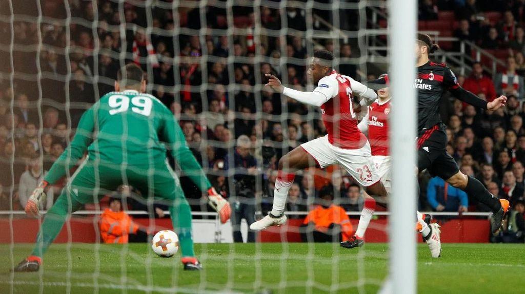 Soal Penalti untuk Arsenal, Wenger Tak Mau Sebut Welbeck Diving
