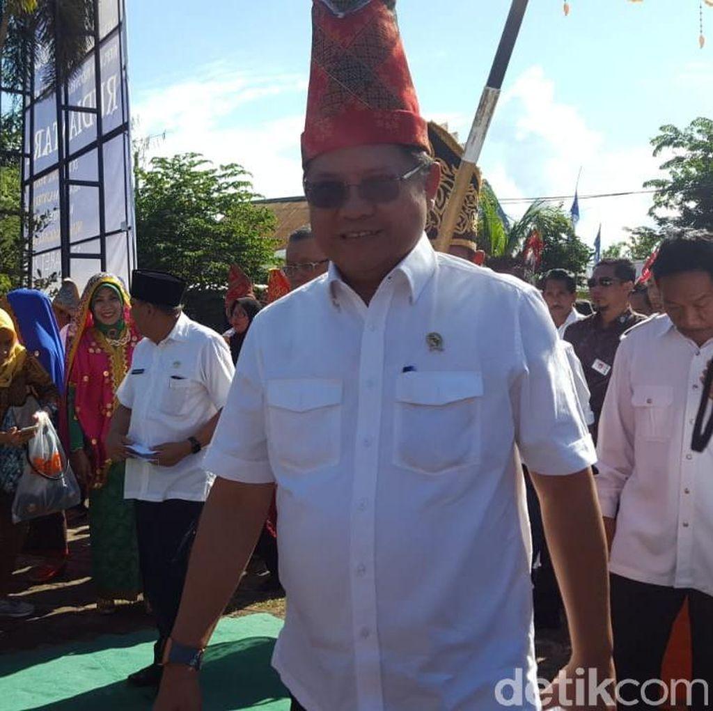 Gaya Menkominfo Resmikan Akses Internet di Sumbawa
