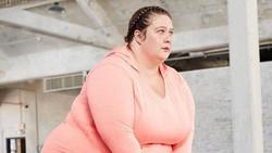 Olahraga harus sixpack? Ah enggak juga, Krista Henderson adalah buktinya. Ia berhasil membangkitkan semangat teman-teman yang lain untuk berolahraga.