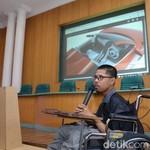 Mahasiswa UGM Berkursi Roda Ini Jago Desain Mobil Listrik