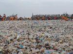 Sandiaga Ungkap Asal Muasal Lautan Sampah di Teluk Jakarta