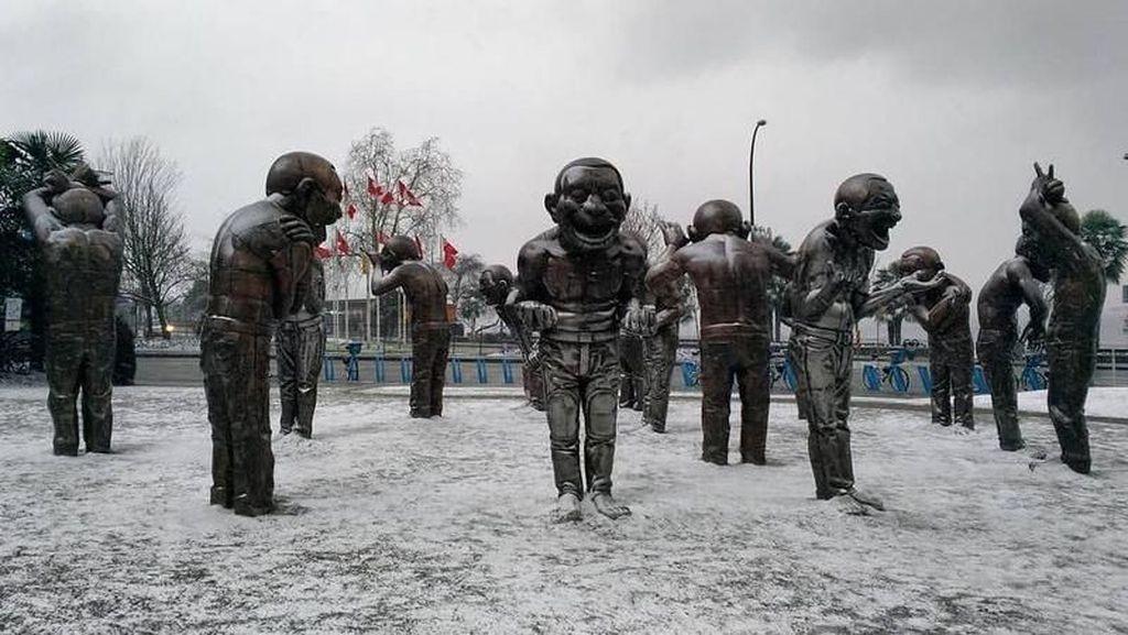 Foto: 6 Patung Paling Aneh di Dunia