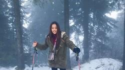 Shireen Sungkar dan Zaskia Sungkar mau punya calon ipar nih, namanya Yofina Pradani. Diam-diam, dia suka banget Muay Thai lho!