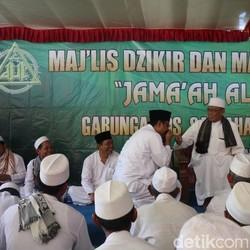 Libur Kampanye, Gus Ipul Ngaji Bareng Ribuan Warga Trenggalek