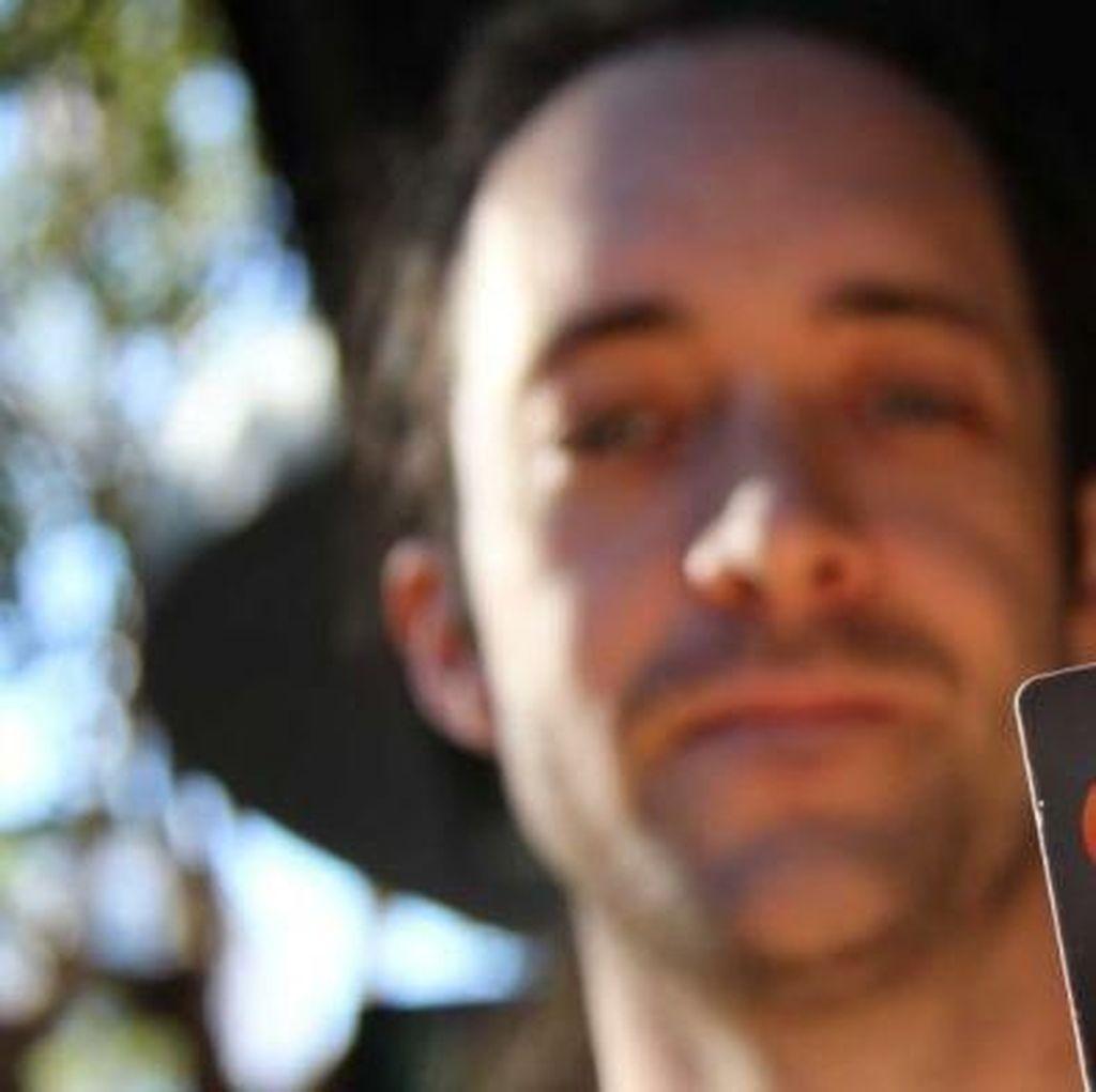 Mengimplan Kartu Transportasi di Tangannya, Peretas Sydney Didenda