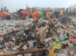 Lautan Sampah di Teluk Jakarta Mulai Dibersihkan