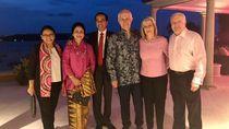 Makan Malam dengan Jokowi, PM Australia Berbatik
