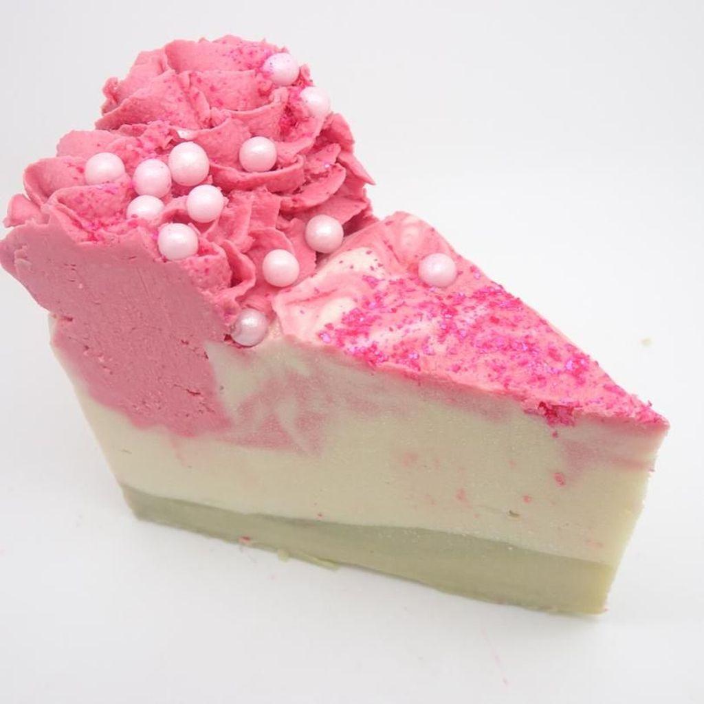 Keren! 10 Dessert yang Menggiurkan Ini Terbuat dari Sabun