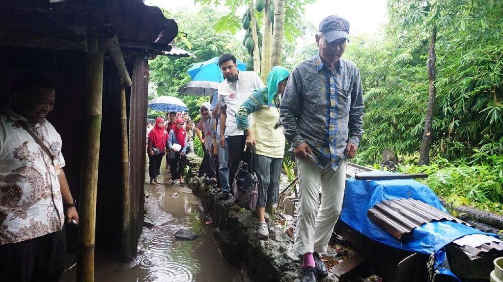 Ketika Duta WHO Terjang Hujan dan Becek untuk Kunjungi Pasien Kusta