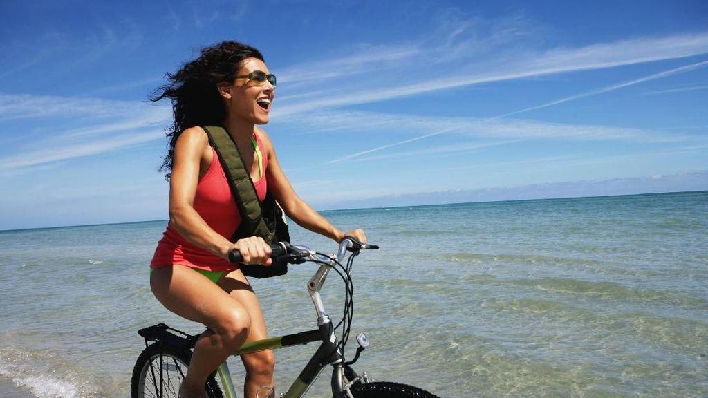 Plus Minus Bersepeda Bagi Kesehatan Wanita