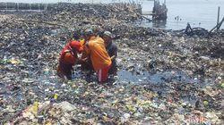 Kedalaman Sampah di Teluk Jakarta Capai 3 Meter