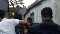 Preman Mabuk di Depok Ngamuk Hancurkan Rumah Kontrakan