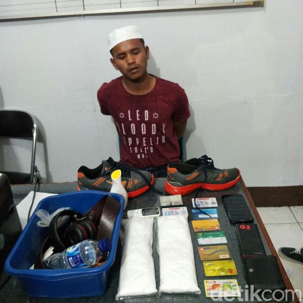 Simpan Sabu 1 Kg di Sepatu, Mahasiswa Dibekuk di Bandara Aceh