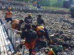 Ini Cara Pemprov DKI Jakarta Cegah Sampah Masuk Teluk Jakarta