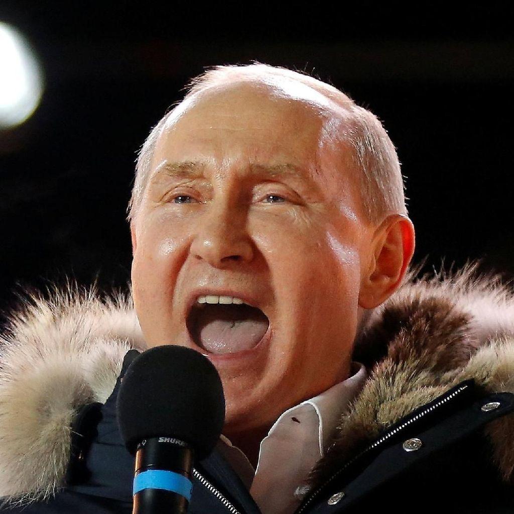 Foto: Riuh Kemenangan Vladimir Putin di Pilpres Rusia