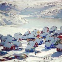 Rumah-rumah unik di Ittoqqoortoormiit (viajarvede/Instagram)