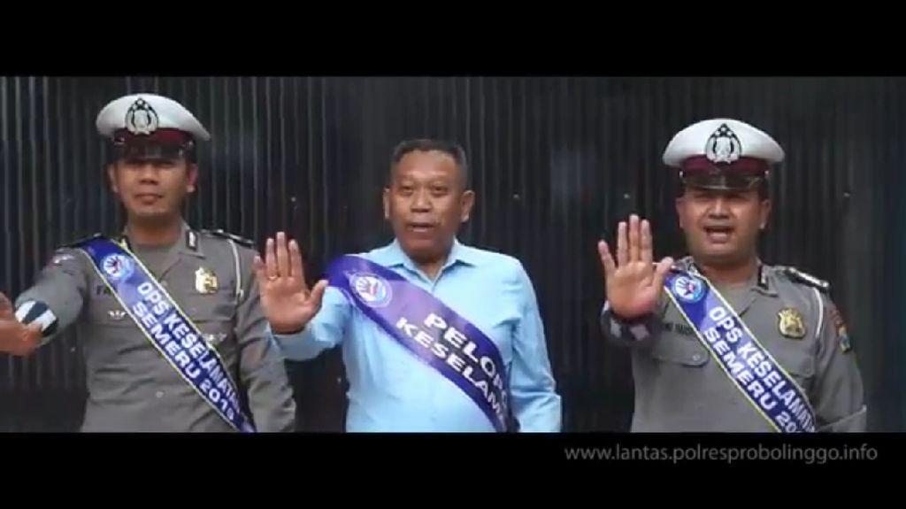 Saat Cover Boy Tukul Arwana Terjaring Razia Polisi