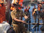 Anies: Sampah Teluk Jakarta Sudah Terkumpul Lebih dari 50 Ton