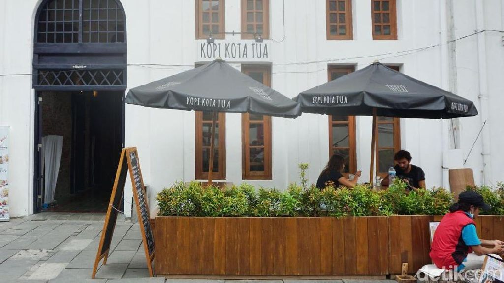 Mumpung Libur, Ayo Ngopi dan Makan Asyik di 5 Kafe Bergaya Kolonial Ini!