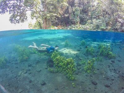 Tempat Berenang Paling Biru dan Paling Jernih di Malang