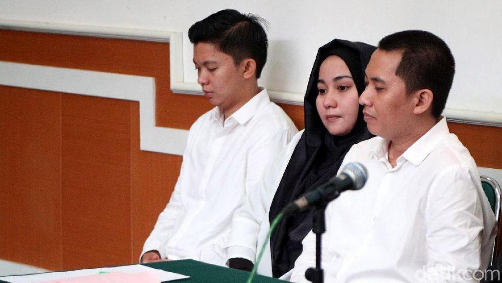 Syahrini dan 5 Orang Lainnya Gratis Umrah First Travel