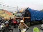 Truk Mogok Penyebab Ujungberung Bandung Macet Segera Diderek