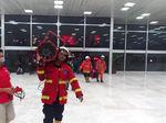 Pemadam Kebakaran Bawa Pengusir Asap ke Gedung DPR