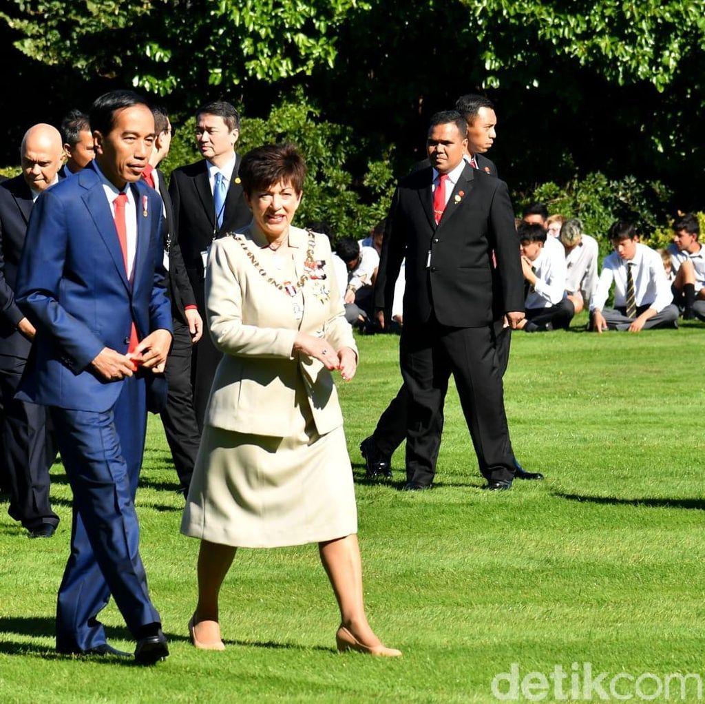 Di Selandia Baru, Jokowi Pamer Punya 8 Menteri Perempuan