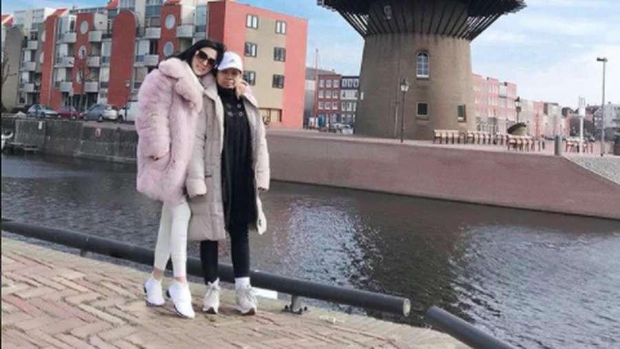 Gaya ART Syahrini di Eropa, Melly Transgender yang Bongkar Lucinta Luna