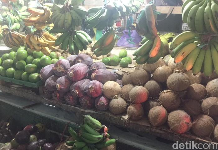 Pasar Sentral meruapakan salah satu pasar di Gorontalo, selain Pasar Bugis, Pasar Piloladaa dan Pasar Liluwo. Aneka bahan dan bumbu segar tersedia di sini.Foto: detikfood