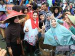 Datangi Pasar Ikan di Lamongan, Puti Janji Perkuat Petani Tambak