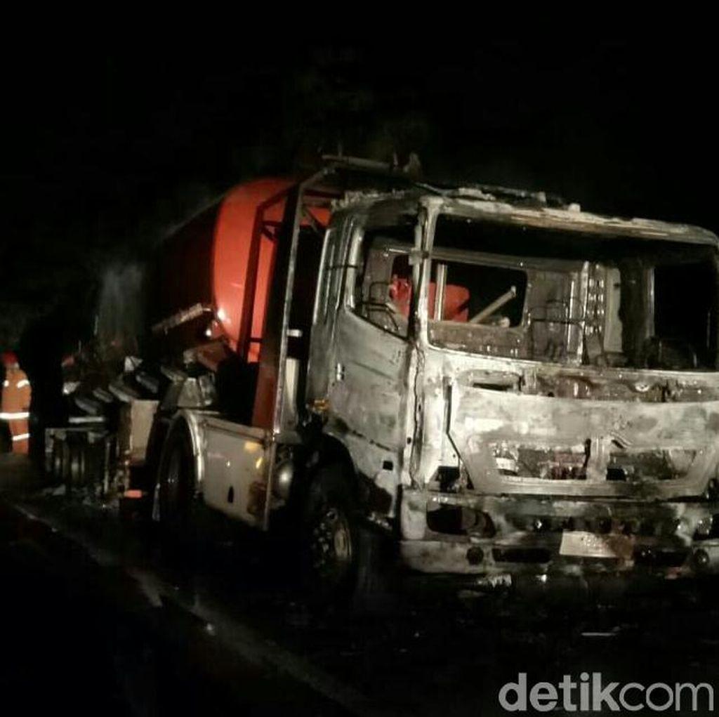 Api yang Membakar Truk Tangki BBM di Tol Merak Telah Dipadamkan