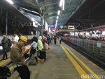 Stasiun Tn Abang Sempat Penuh Sesak Saat Gangguan KRL, Kini Normal