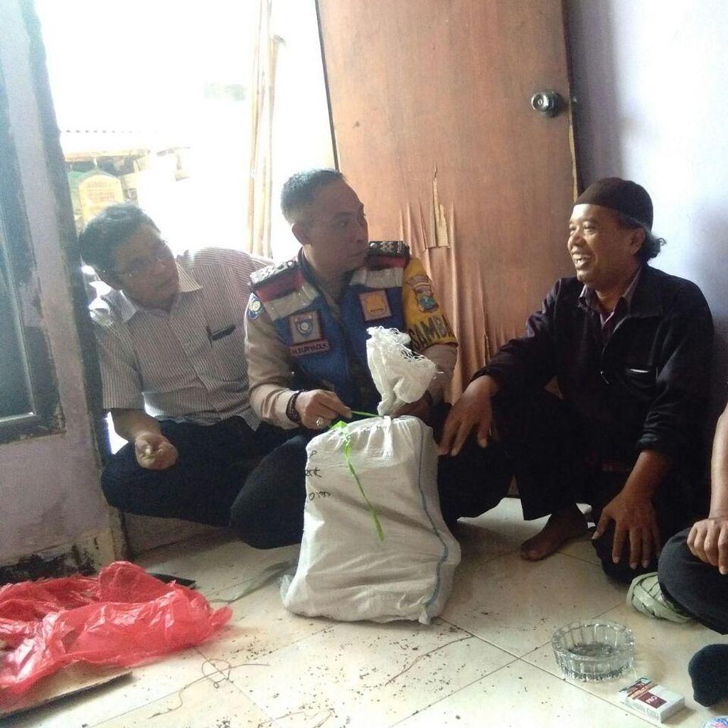 Temuan Karung Berisi KIP, Camat: Untuk 2 Kelurahan di Sukolilo