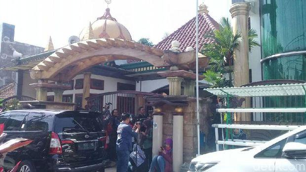 KPK Geledah Kediaman Wali Kota Malang Non Aktif/
