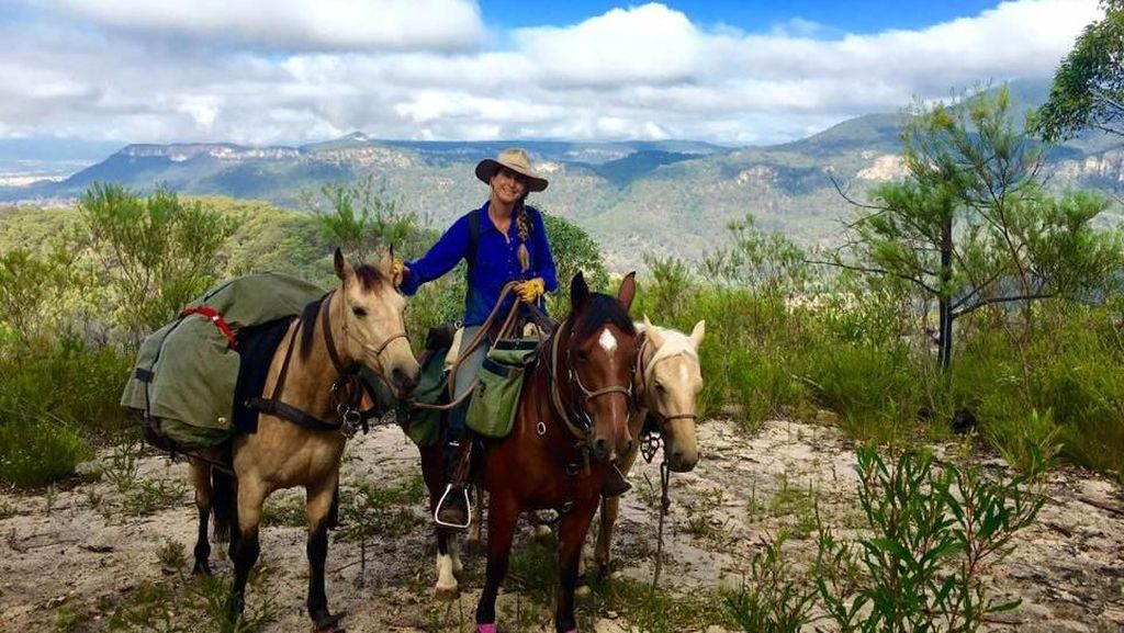 Kisah Wanita Naik Kuda Keliling Australia