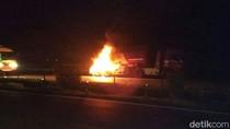 Truk Tangki BBM Terbakar di Tol Merak-Tangerang