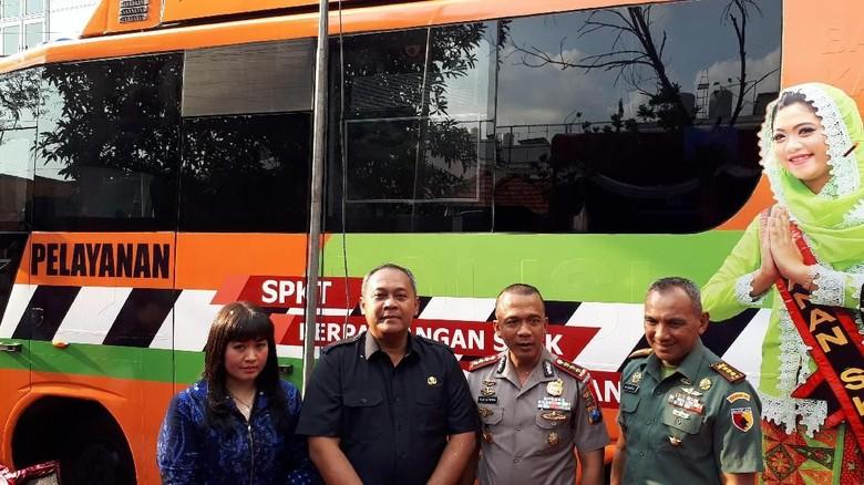 Urus SKCK Dipermudah dengan Bus Polisi Suroboyo Sobo Kelurahan