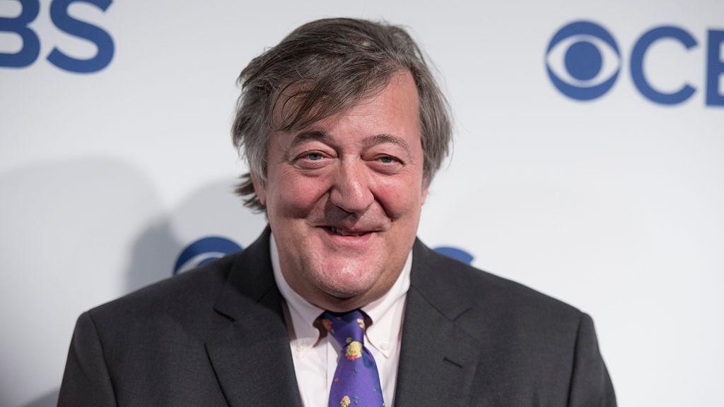 Aktor Stephen Fry Ceritakan Perjuangannya Melawan Kanker Prostat