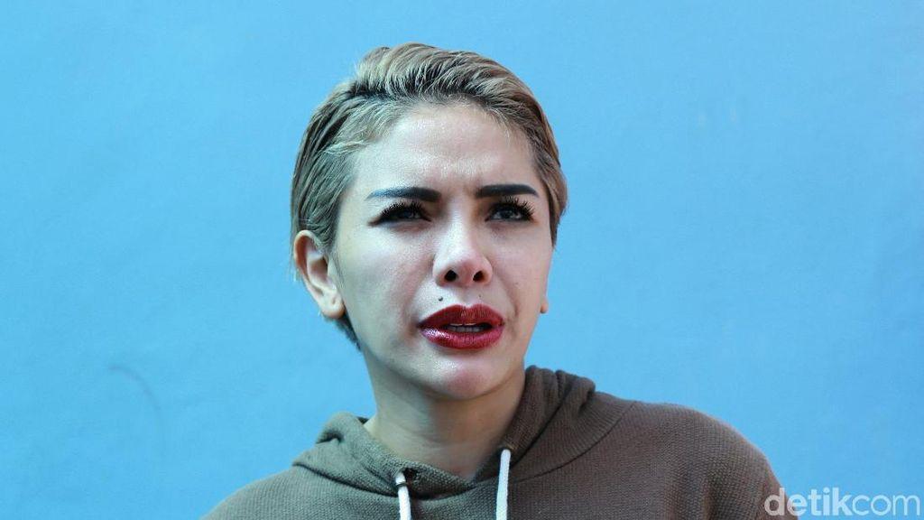 Nikita Anggap Lucinta Luna Gendeng karena Ogah Ngaku Transgender