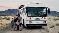 Keluarga Ini Sulap Bus Sekolah Jadi Tempat Tinggal Unik