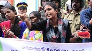 Foto: Payudara Disamakan dengan Semangka, Wanita India Demo