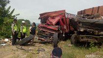 Polisi Olah TKP Kecelakaan Truk yang Tewaskan 6 Orang di Brebes