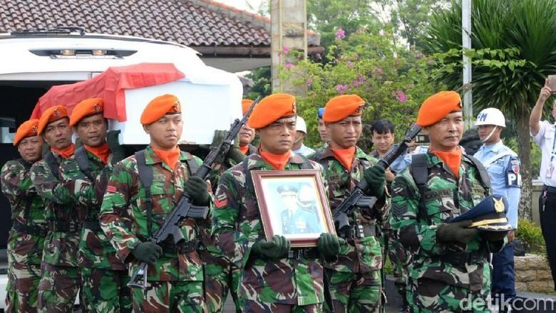 Jasad Pilot Pesawat yang Jatuh di Cilacap Diterbangkan ke Malang