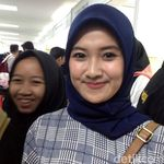 Deretan Wanita Cantik yang Cari Kerja di Senayan