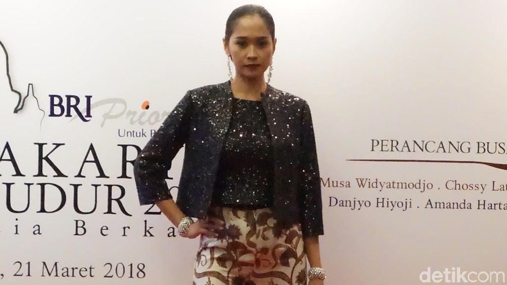 Kolaborasi Batik dan Sendra Tari di Mahakarya Borobudur 2018
