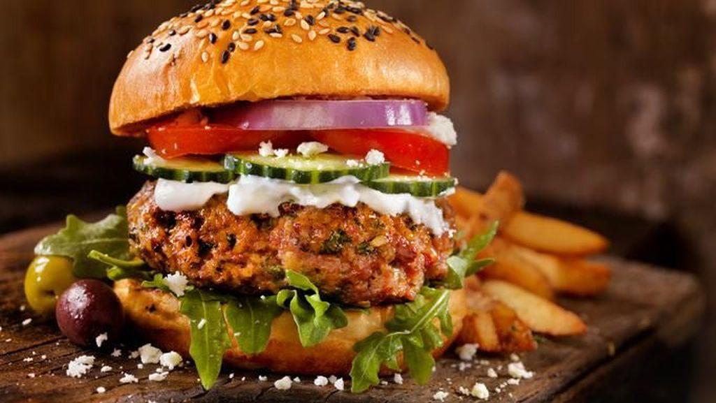 Orang Prancis Kini Lebih Doyan Makan Burger daripada Baquette