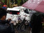 Mobil Tertabrak Kereta Api di Lebak, Tak Ada Korban Jiwa