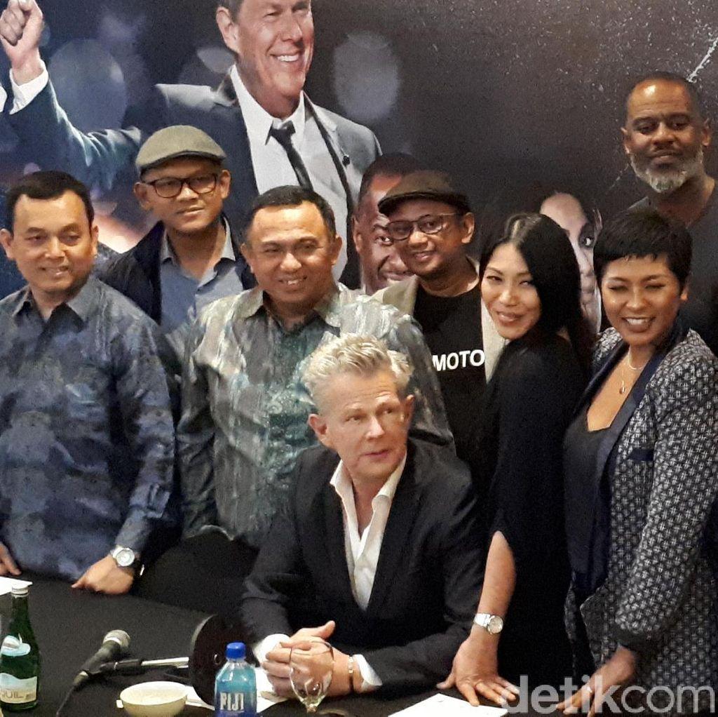 David Foster and Friends Sapa Pecinta Musik Surabaya
