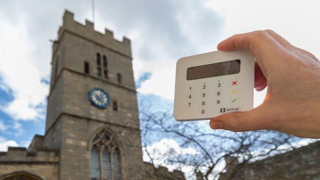 Permudah Sumbangan, Gereja dan Masjid Inggris Pakai Cara Baru